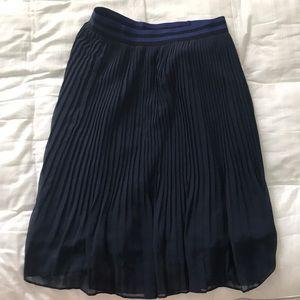 Dresses & Skirts - Pleated navy skirt